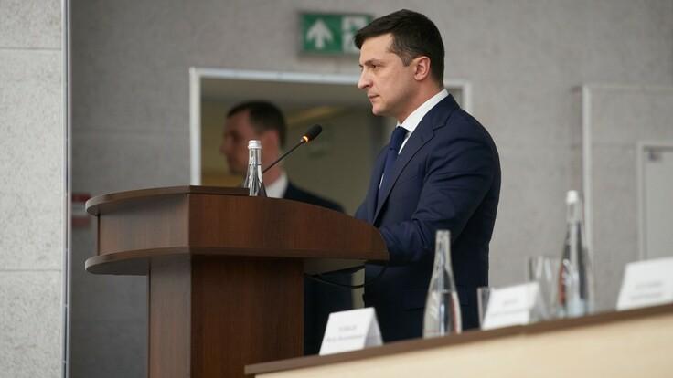 """В """"Слуге народа"""" объяснили, чего Зеленский хочет от медреформы"""