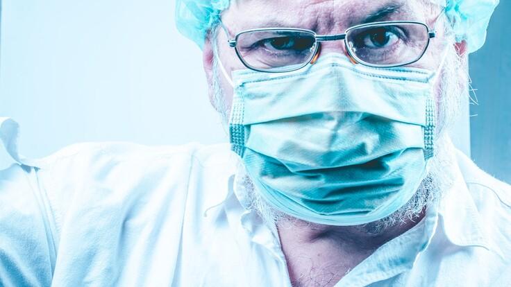 """""""Буде величезна смертність"""": лікар шокував заявою про лікування коронавірусу"""