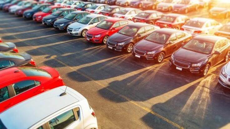 У Авакова хотят облегчить регистрацию новых авто — подробности