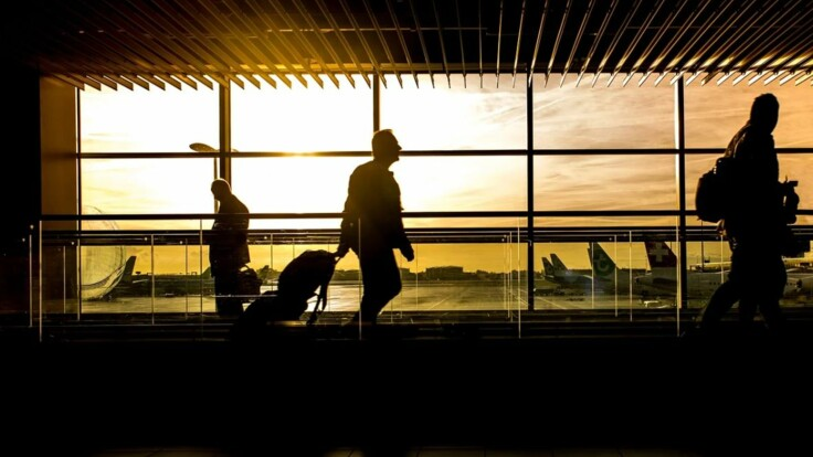 Опасен ли коронавирус в самолете: врач дала ответ