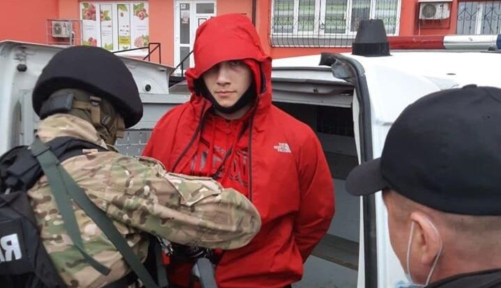 """""""Тіушки кажуть, кому їхати"""": нардеп про війну перевізників у Броварах"""