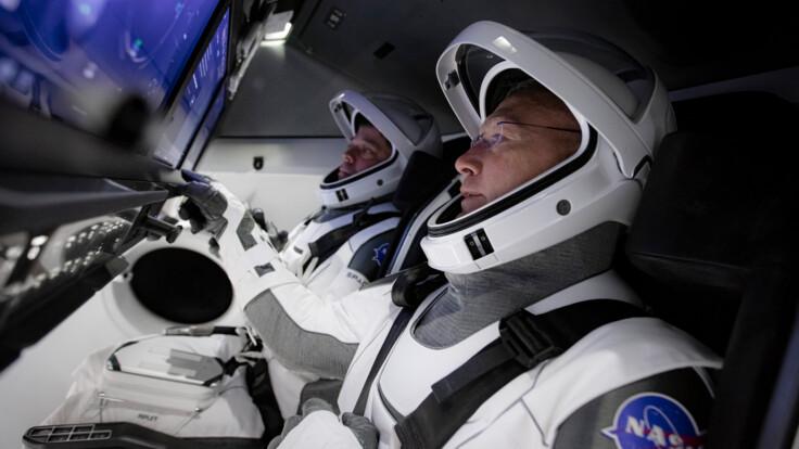 Полетят лучшие друзья - новые подробности о запуске Crew Dragon