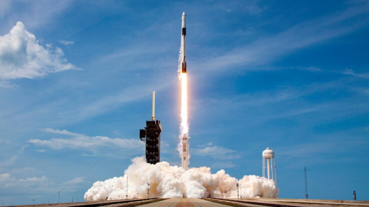 Відбулася демонополізація космосу — експерт про запуск Crew Dragon