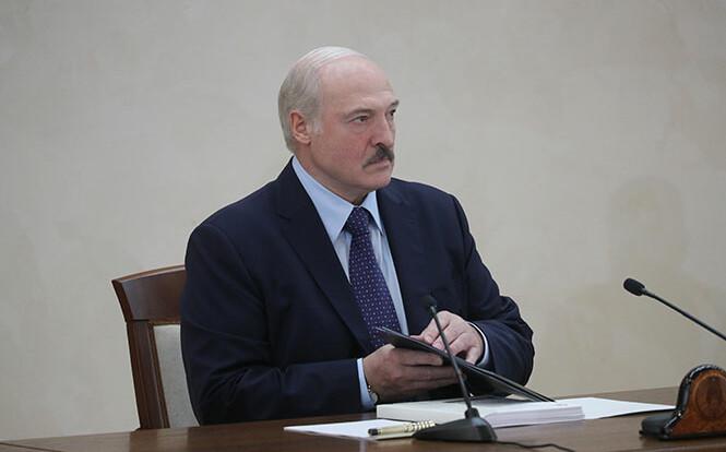 Телевізор не працює, це лякає Лукашенка — політолог