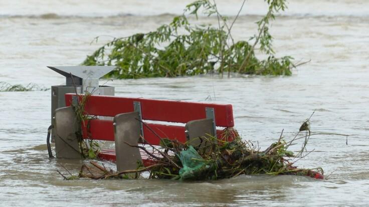 Ситуация с наводнением на западе Украины ухудшается — полиция