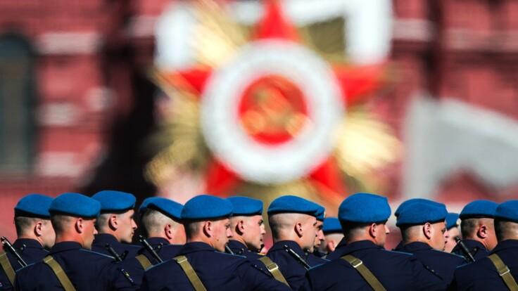 В Донецке провели копию путинского парада: политолог объяснил цель боевиков