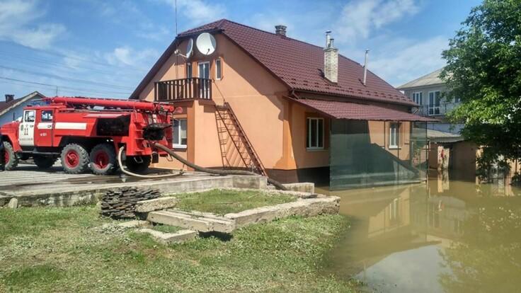 Наводнение на западе Украины: в ГСЧС сообщили новые подробности о ситуации