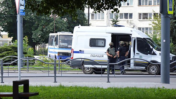 Уроженец России с тюремным прошлым: у Авакова рассказали о захватчике автобуса в Луцке