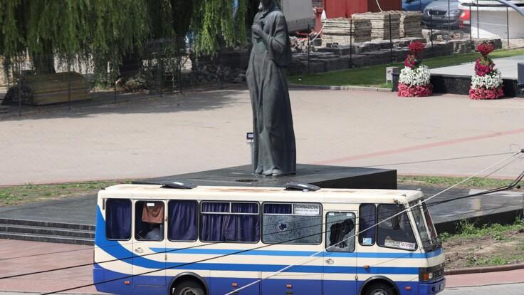 Захват заложников в Луцке: мужчина в автобусе пошел на уступки (обновлено)