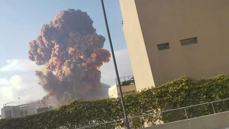 Можливий теракт: експерт вказав на дивну обставину у вибухах в Бейруті