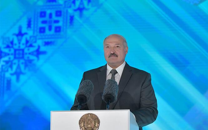 """""""Запад может сделать большую ошибку"""": дипломат о санкциях против Лукашенко"""