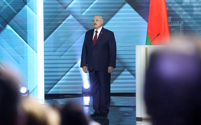 Потрібні гроші - в Білорусі пояснили звернення Лукашенка до Путіна