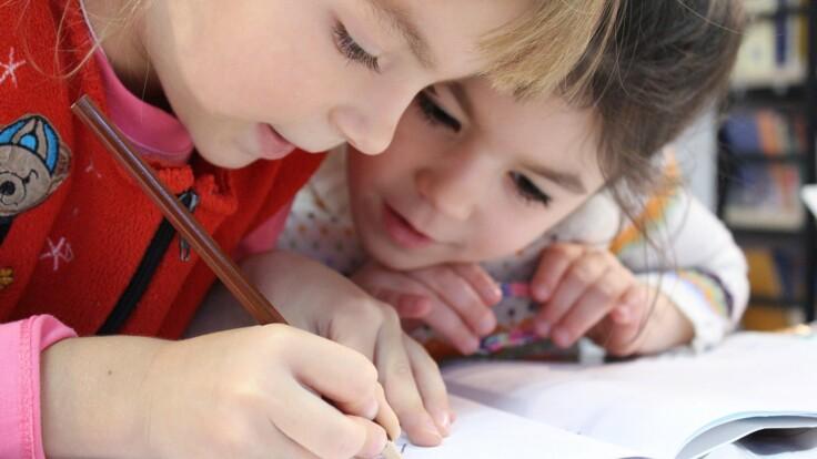 Карантин в школах может быть продолжен - в Кабмине пояснили, каким образом