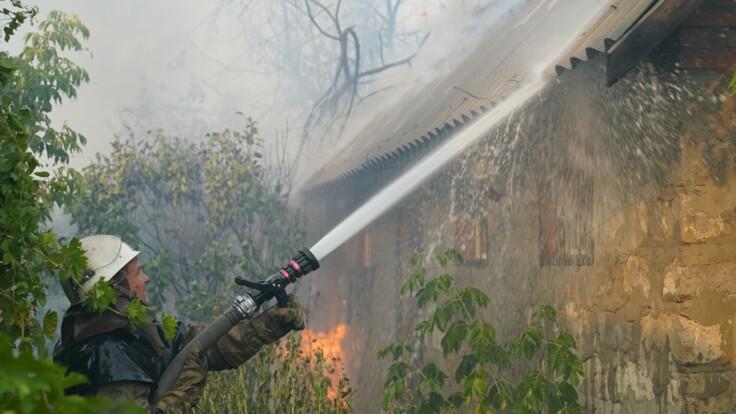 Придется минировать заново - эксперт объяснил, чем опасны пожары в Луганской области