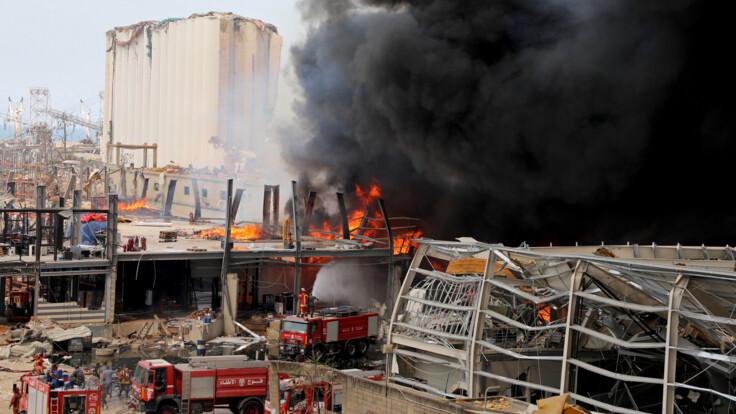 """""""Паника, люди бегут в горы"""": украинский посол о пожаре в Бейруте"""