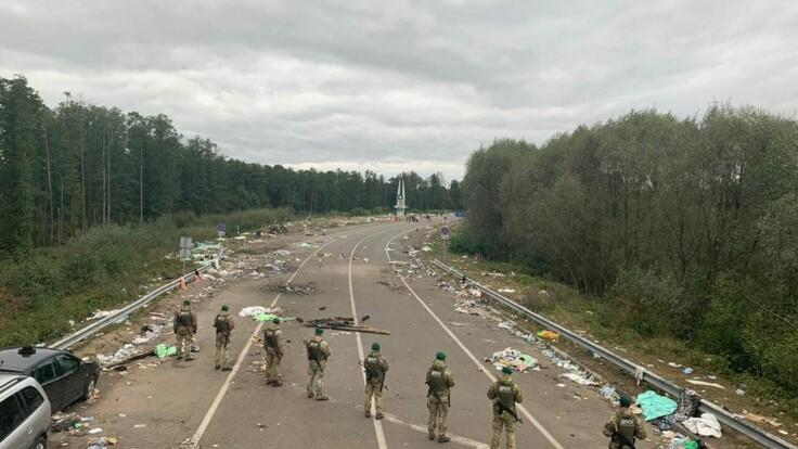 Скандал с хасидами: у Авакова сказали, кто должен убирать мусор за паломниками