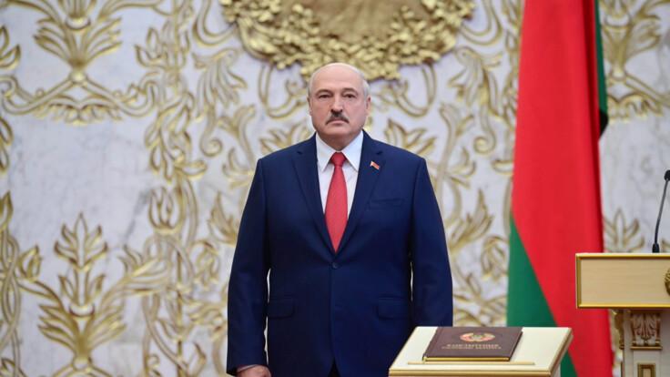За Лукашенко стоит Россия - экс-министр озвучил единственное решение для оппозиции