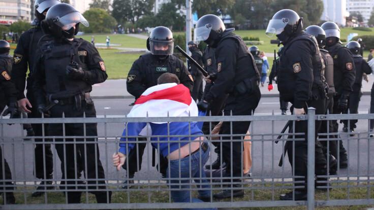 """""""Хорошо, что не расстреляли"""": белорусский журналист о задержании во время протестов"""