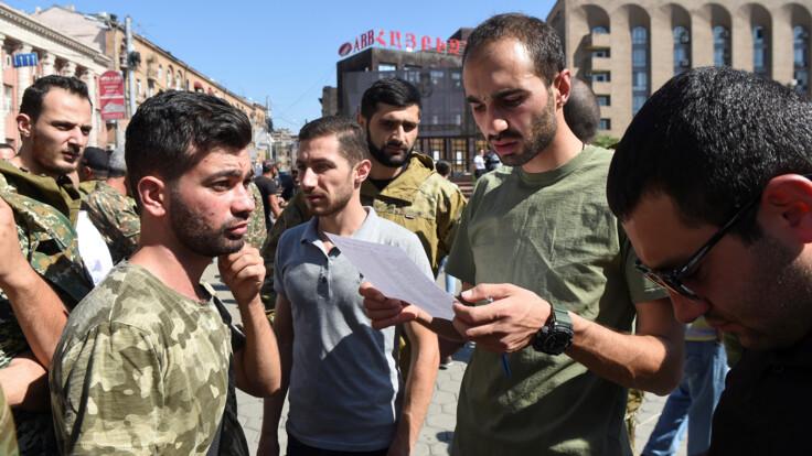 Конфликт в Нагорном Карабахе: экс-министр рассказал, перейдет ли он в настоящую войну