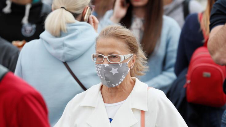"""""""Ризик величезний"""": лікар пояснив, коли маска не врятує від коронавірусу"""