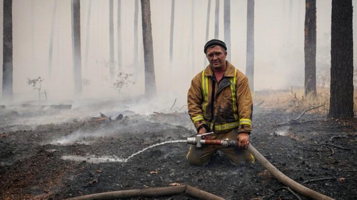 """""""Поджоги — это стратегия Кремля"""": эксперт о пожарах в Луганской области"""
