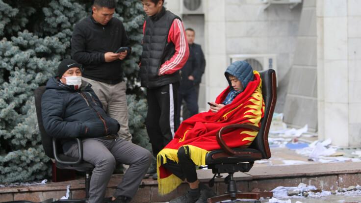 Все переходит в насилие и хаос – журналистка о протестах в Кыргызстане