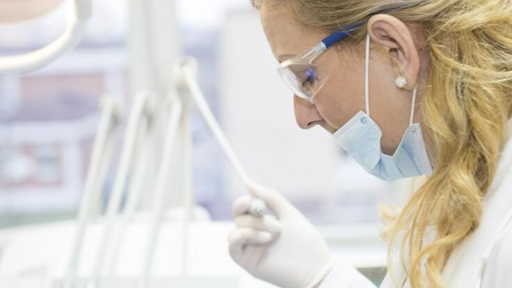 Здати тест на COVID-19 багато охочих - епідеміологиня попереджає про небезпеку