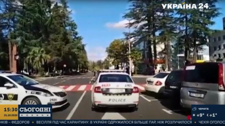 В Грузии вооруженные преступники захватили заложников: подробности