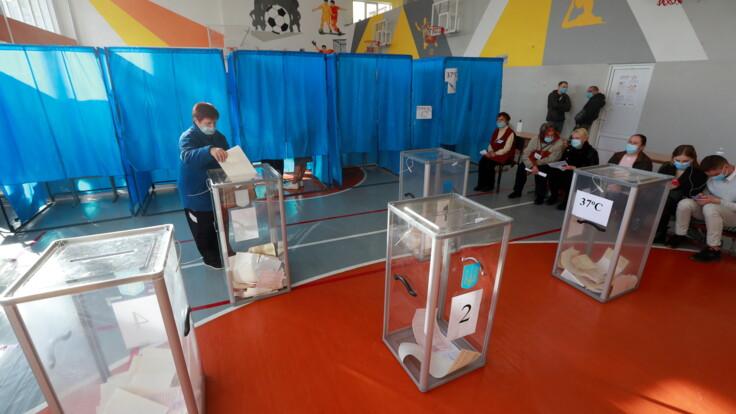 Місцеві вибори в Україні: в Авакова назвали головні порушення