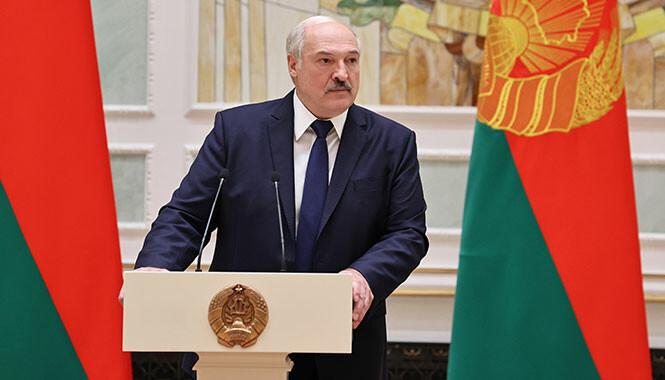 Лукашенко вынужден оправдываться – политолог о протестах в Беларуси