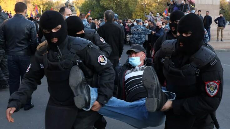 """""""Он политический труп"""": в Армении идут массовые протесты против премьера"""