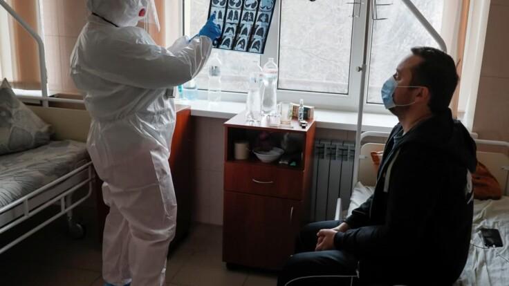 Вирус развивается — экс-министр о ситуации с COVID-19