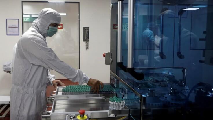 Вакцина от коронавируса почти готова — в СНБО рассказали, когда ее получат украинцы