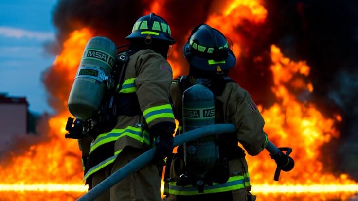 В центре Киева горел отель: названы две версии
