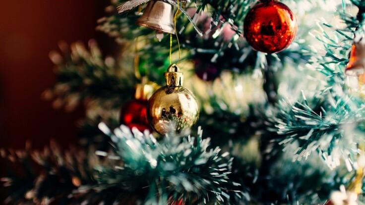 Как украсить елку на Новый год: советы известного дизайнера