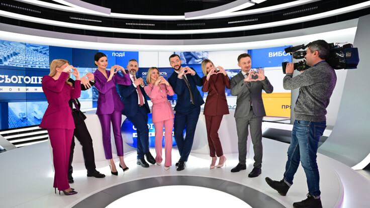 """Эмоции и смешные курьезы: ведущие """"Украина 24"""" вспомнили свой первый эфир на телеканале"""
