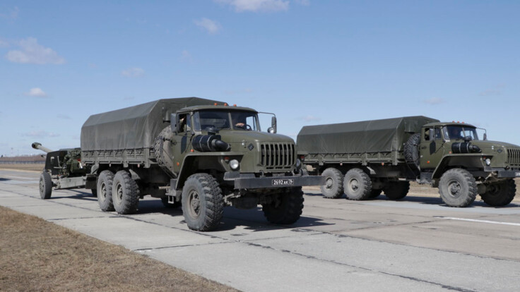 Разведка заявила о вероятном вторжении России из-за Крыма: эксперт оценил угрозу