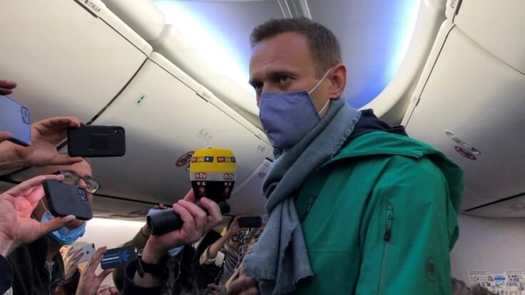 Запад введет против Путина санкции — журналист о возможном аресте Навального