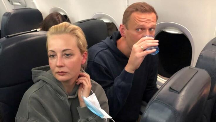 Перенесення місця посадки готували заздалегідь — журналістка про літак з Навальним