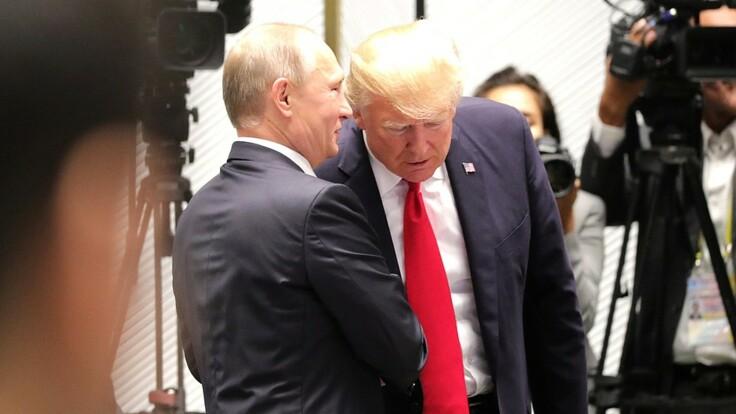 """""""Режим в России давно мог поменяться"""": журналист рассказал, как Трамп спас Путина"""