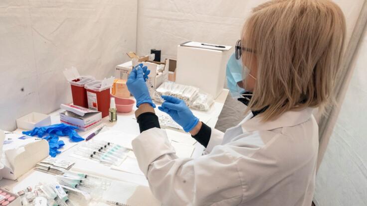 """""""Будет вакцина еще одного производителя"""": Степанов рассказал о поставках в Украину"""