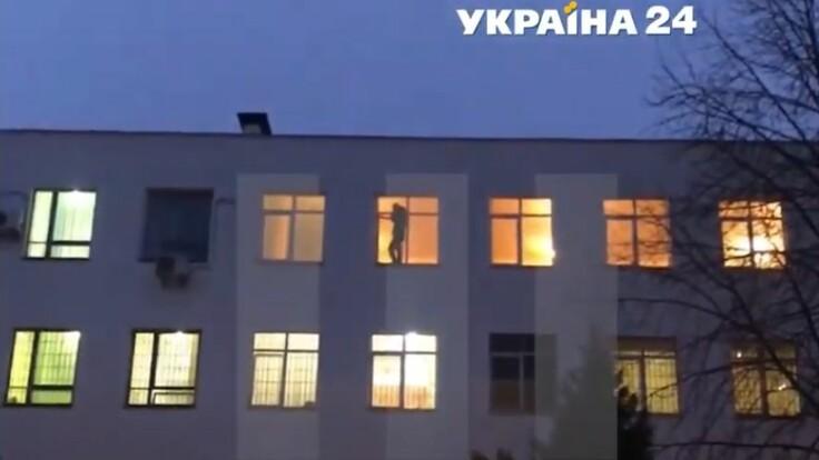 Самоубийством в полиции угрожал ветеран АТО: корреспондент с места событий