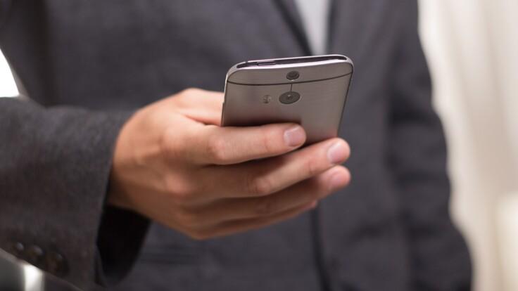 Чиновники больше не смогут требовать штамп — министр о новой электронной услуге